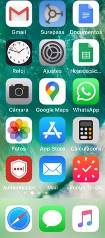 Pantalla de inicio del iPhone con la aplicación de WhatsApp