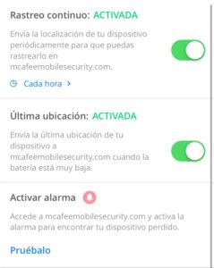 """Botones """"rastreo continuo"""" y """"última ubicación"""" en la app de McAfee."""