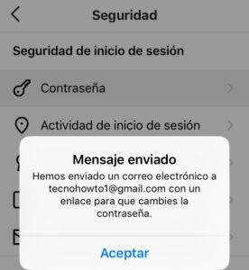 """Menú de la opción """"Seguridad"""" con la opción """"Contraseña"""" y el modal que confirma que Instagram te ha enviado un email."""