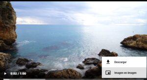 """Vídeo en tamaño de pantalla completa en la página de DownloadInstagramVideos con el botón """"Descargar""""."""