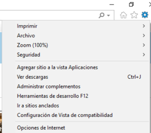"""Menú del icono del engranaje de Internet Explorer con la opción """"Opciones de Internet""""."""