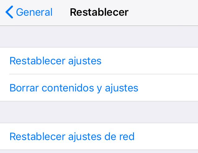 """Menú del apartado """"Restablecer"""", el cual muestra la opción """"Restablecer ajustes de red""""."""